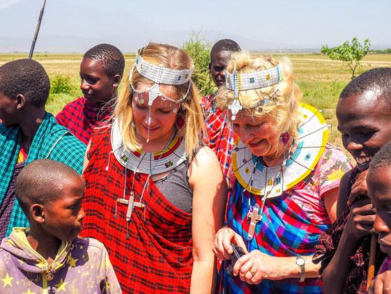 Masai-Culture-with-tourist